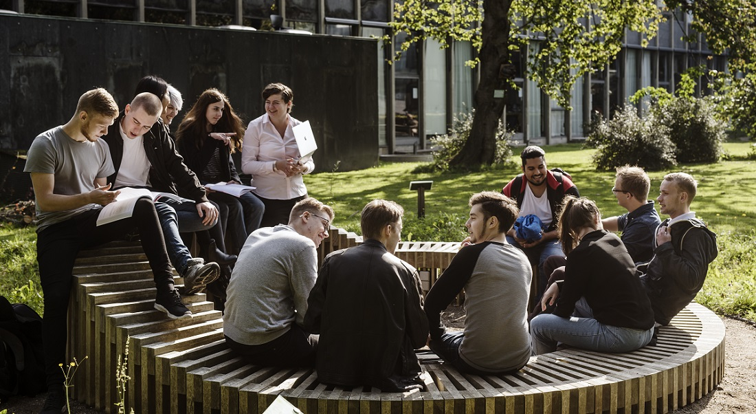 Students at Nørre Campus. Photo: Jakob Dall